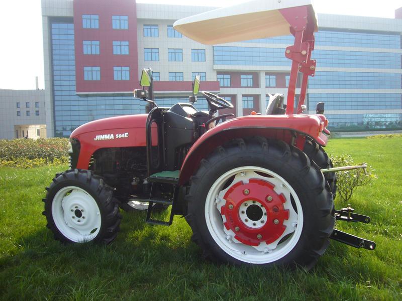 Az új JM504E traktor