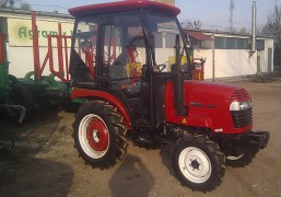 Jinma 244E és 344 traktorok kabinnal